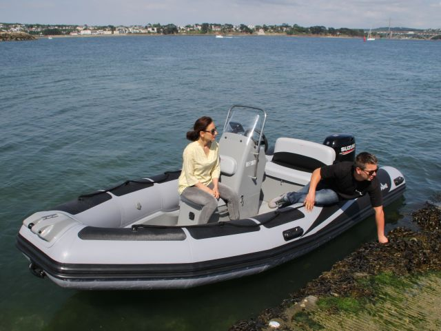 package semi-rigides V500 fun line en navigation